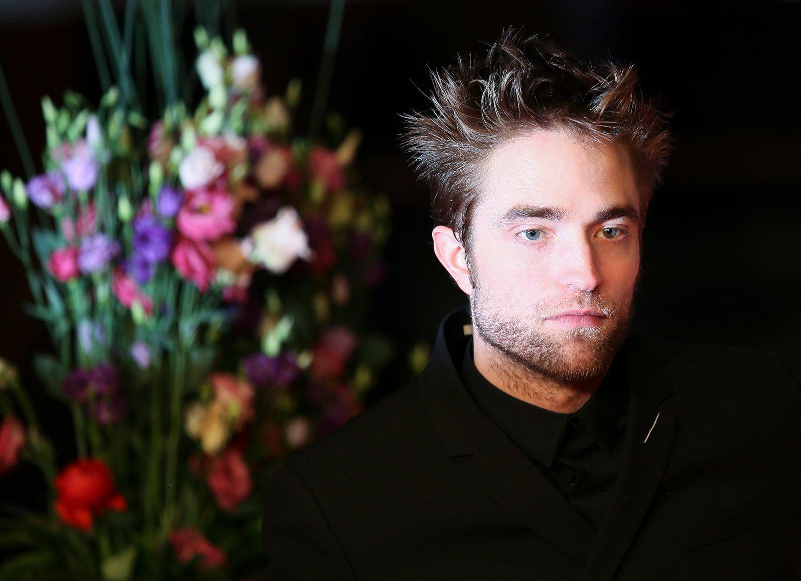 Robert Pattinson attends the Damsel premiere