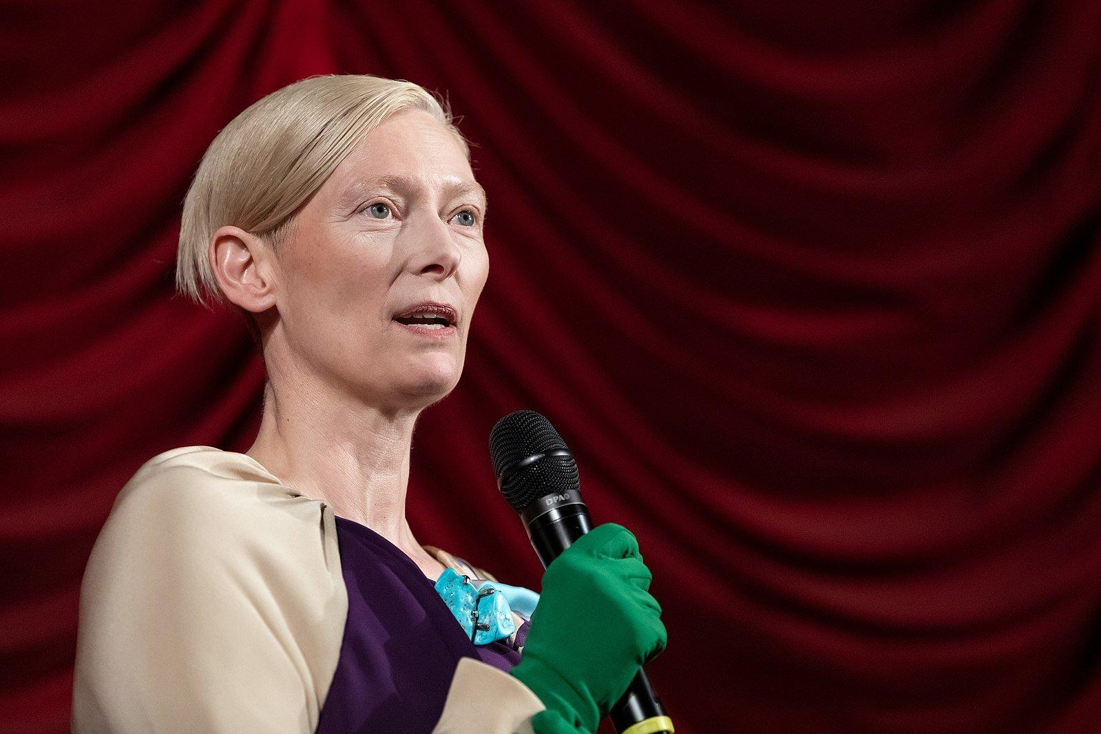 Tilda Swinton Calls Upon Streamers to Build Movie Theaters