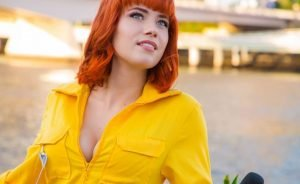Cosplay of the Day: Nic the Pixie as April O'Neil from 'Teenage Mutant Ninja Turtles'