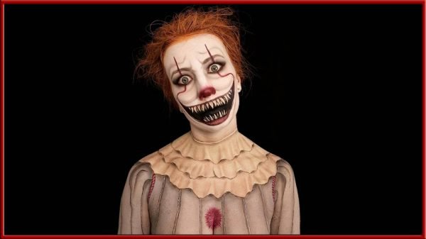 CharrarB Pennywise Cosplay